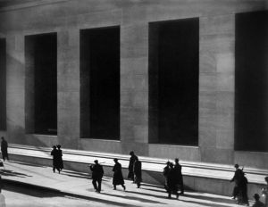 1024px-Paul_Strand_Wall_Street_New_York_City_1915