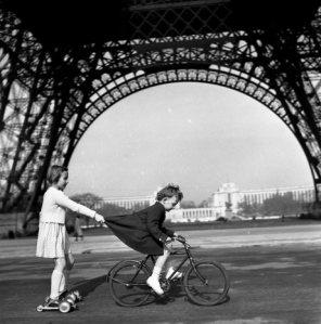 The Tug of the Champs de Mars, Paris